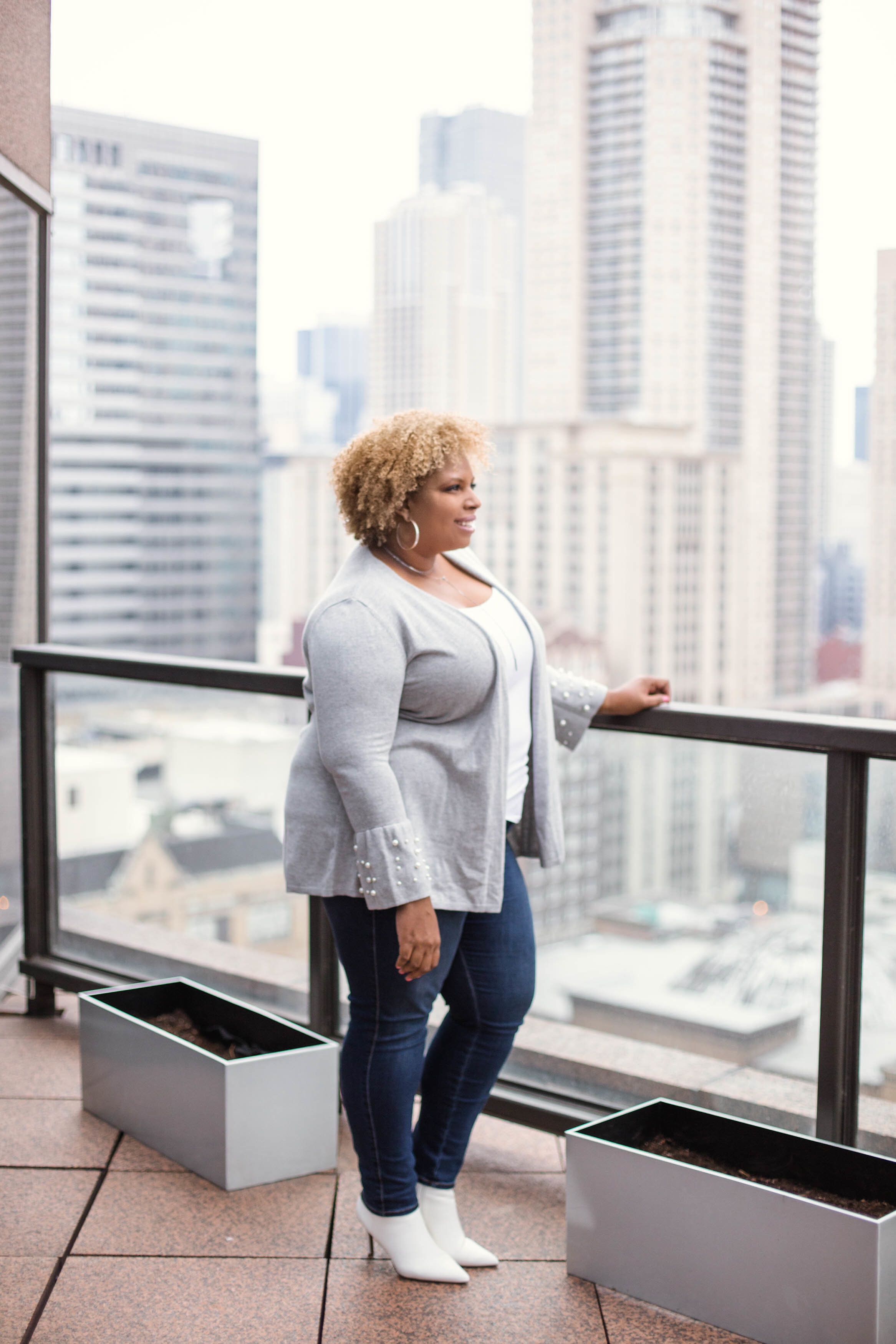 plus size sweater with pearls outfit